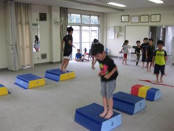 深川空手教室 跳び箱トレーニング1