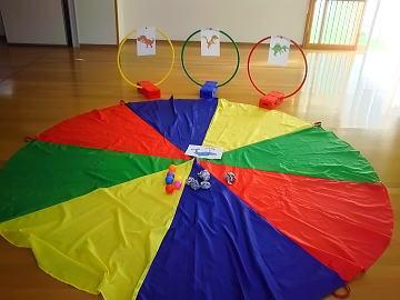 保育園 体操教室 ボール遊び 恐竜さんにごぱんをあげよう!
