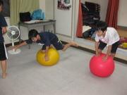 落合空手教室 バランスボール トレーニング