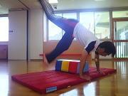 保育園体操教室側転の練習